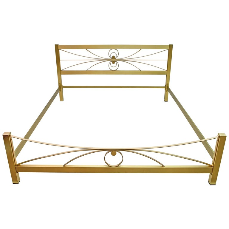 Luciano Frigerio Mid-Century Modern Gilded and Satin Brass Double Bed, 1970s For Sale