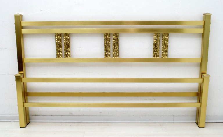 Luciano Frigerio Mid-Century Modern Italian Gold Brass and Bronze Double Bed In Excellent Condition For Sale In Cerignola, Italy Puglia