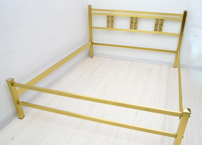 Luciano Frigerio Mid-Century Modern Italian Gold Brass and Bronze Double Bed For Sale 5
