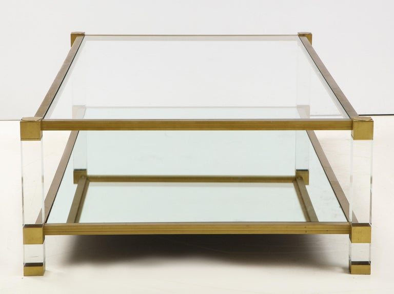 Lucite and Brass Coffee Table In Good Condition For Sale In New York, NY