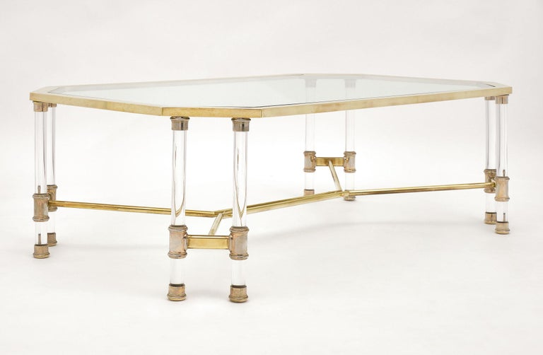 Lucite and Brass Vintage French Coffee Table In Good Condition For Sale In Austin, TX