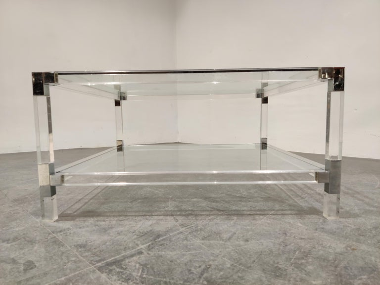 Lucite and Chrome Coffee Table, 1970s In Good Condition For Sale In Neervelp, BE