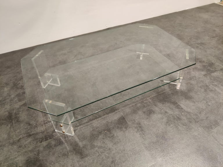 Lucite and Glass Coffee Table, 1970s In Good Condition For Sale In Neervelp, BE