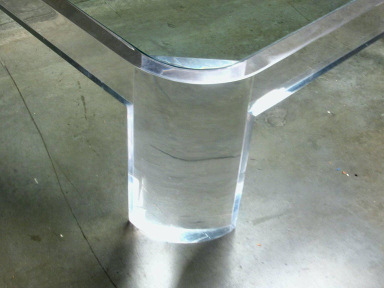 Lucite and Glass Coffee Table by Les Prismatiques, circa 1970s In Good Condition For Sale In Surprise, AZ