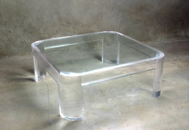 Lucite and Glass Coffee Table by Les Prismatiques, circa 1970s For Sale 1
