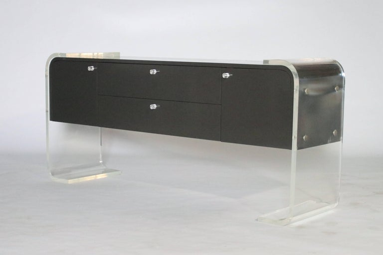 Lucite and Lacquered Wood Sideboard In Good Condition For Sale In Chicago, IL