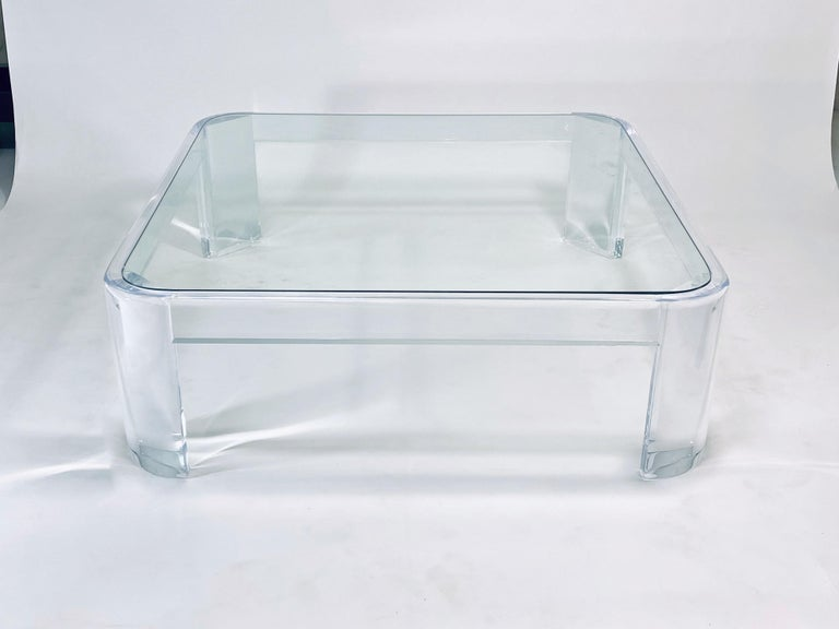 Mid-Century Modern Lucite Coffee Table by Les Prismatiques For Sale