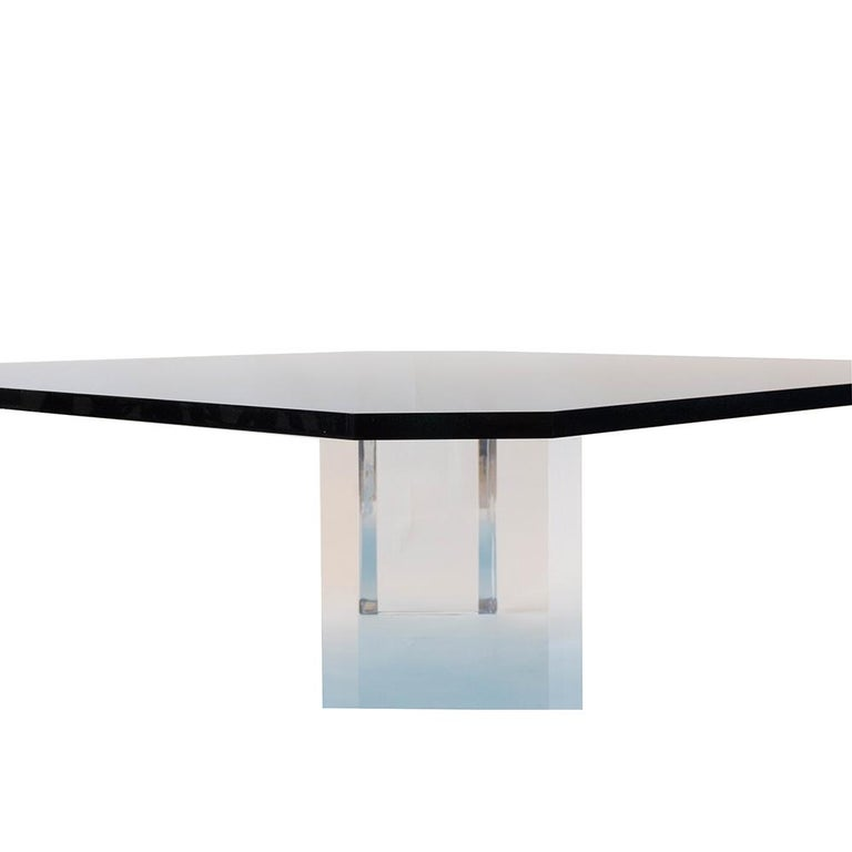 Lucite Coffee Table In New Condition For Sale In Greenwich, CT