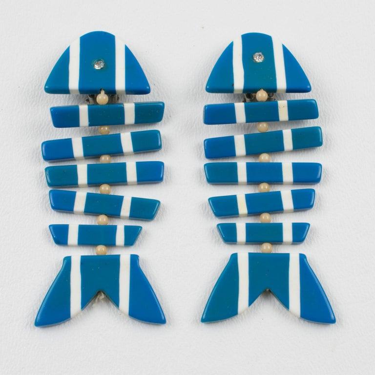 Modernist Lucite Dangle Clip Earrings Blue White FishBone For Sale