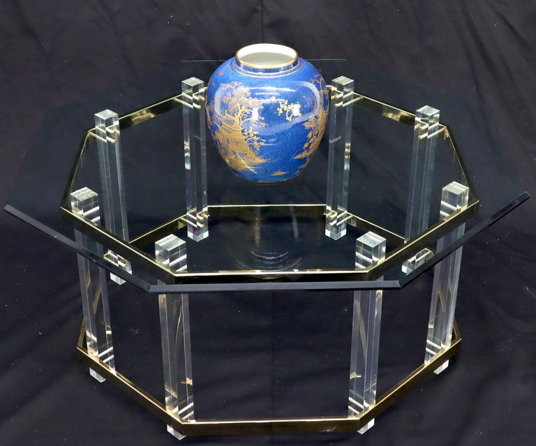 Lucite Glass and Brass Round Octagon Shape Coffee Table In Good Condition For Sale In Rockaway, NJ
