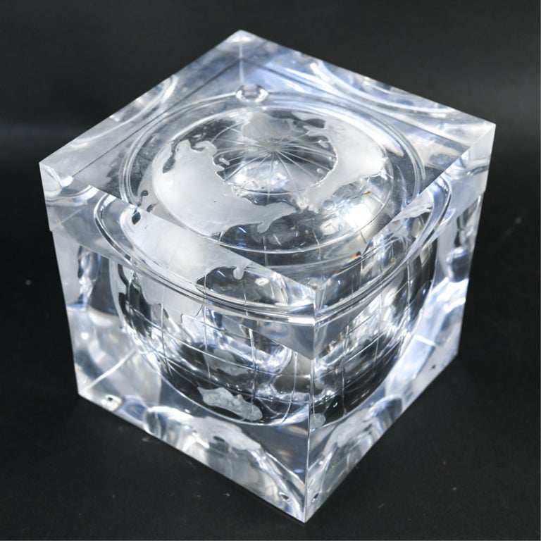 Late 20th Century Lucite Globe Ice Bucket For Sale