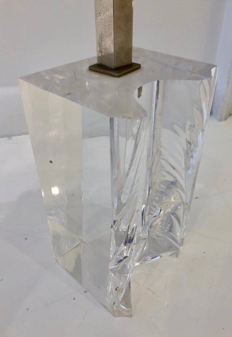Late 20th Century Lucite Table Lamp For Sale