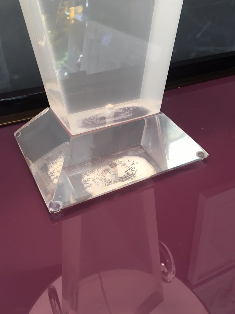 Lucite Urn Shaped Lamp by Karl Springer In Good Condition For Sale In Southampton, NY