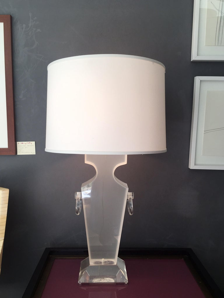 Lucite Urn Shaped Lamp by Karl Springer For Sale 3