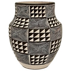 Lucy Lewis Acoma Vessel, 1984