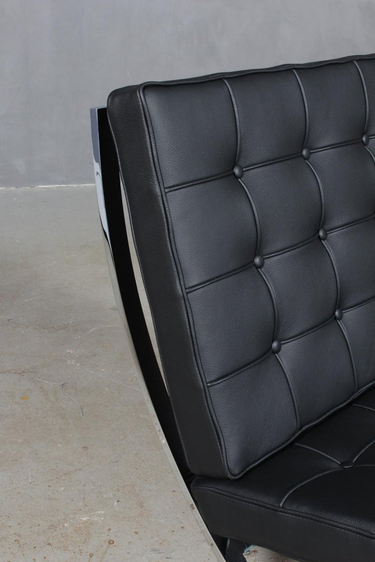 Mid-20th Century Barcelona-Style Chair For Sale