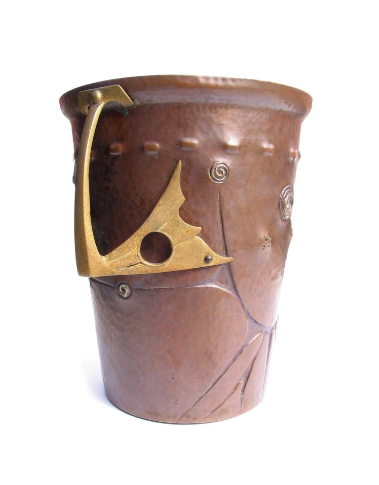 German Ludwig Vierthaler Art Nouveau Copper and Bronze Ice Bucket, circa 1906 For Sale