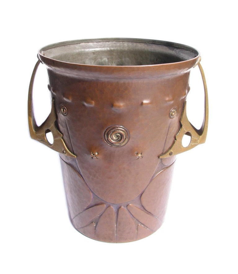 20th Century Ludwig Vierthaler Art Nouveau Copper and Bronze Ice Bucket, circa 1906 For Sale