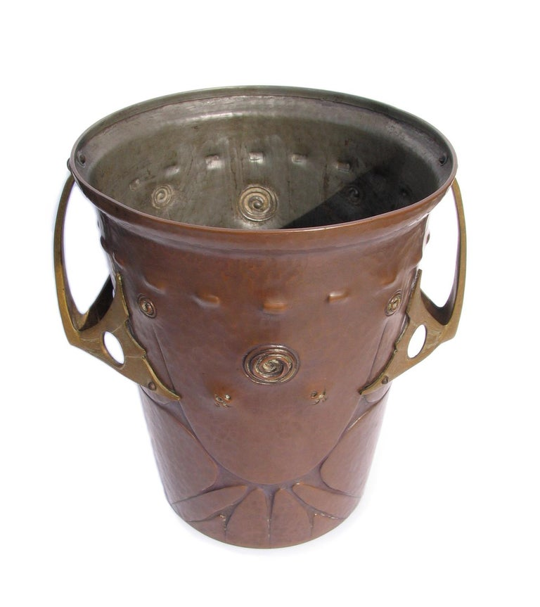 Ludwig Vierthaler Art Nouveau Copper and Bronze Ice Bucket, circa 1906 For Sale 1