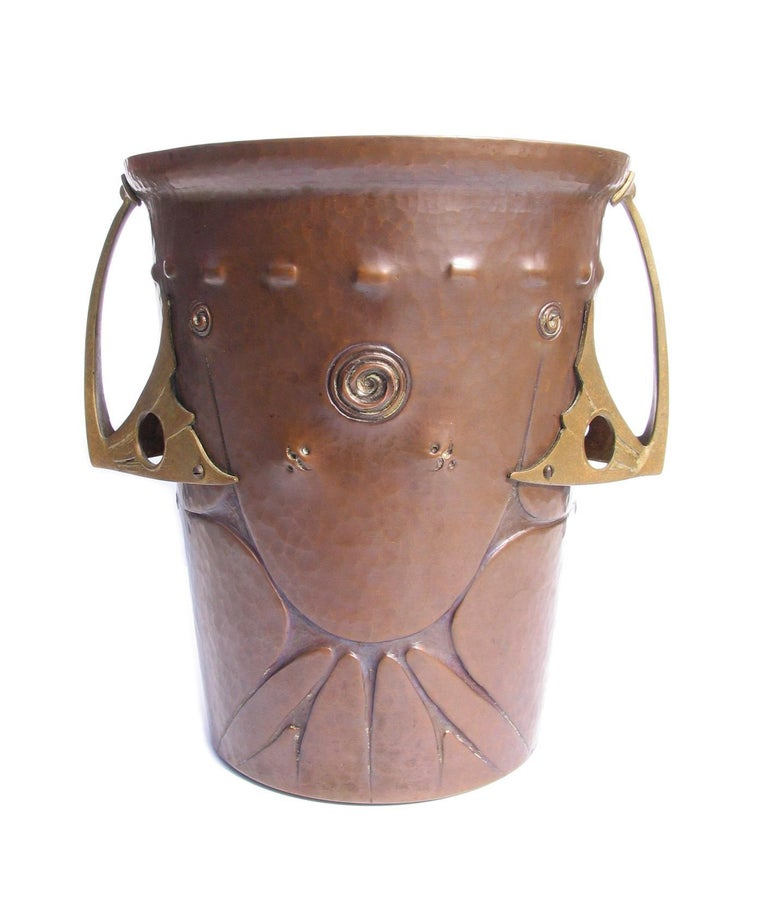 Ludwig Vierthaler Art Nouveau Copper and Bronze Ice Bucket, circa 1906 For Sale 2