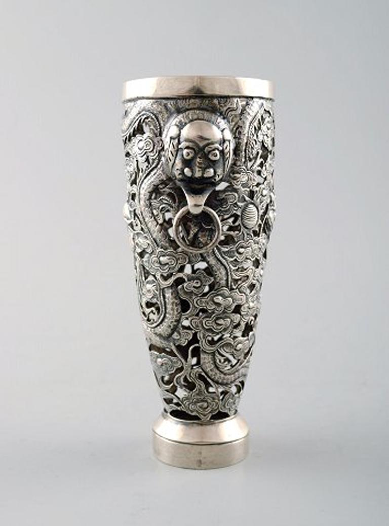 Chinese Export Luen Wo, Shanghai, a Pair of Dragon Vases in Silver, circa 1900 For Sale