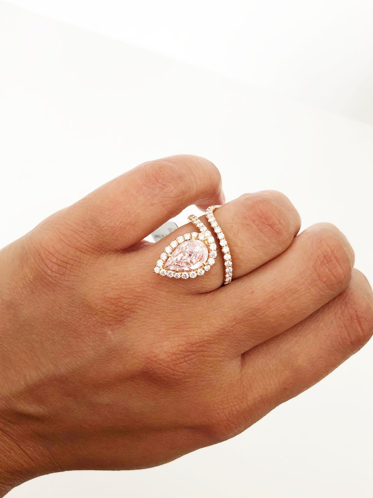Lugano GIA Natural Fancy Light Pink Pear Shape Diamond Ring in 18 Karat Gold In New Condition For Sale In Los Angeles, CA