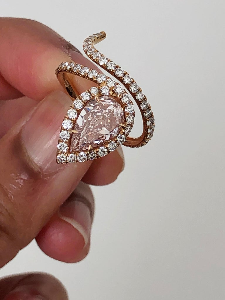 Lugano GIA Natural Fancy Light Pink Pear Shape Diamond Ring in 18 Karat Gold For Sale 1