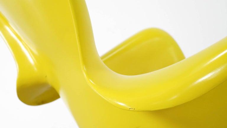 Luigi Colani, Set of Four Ultraorganic Lounge Chair, Yellow Fiberglass For Sale 10