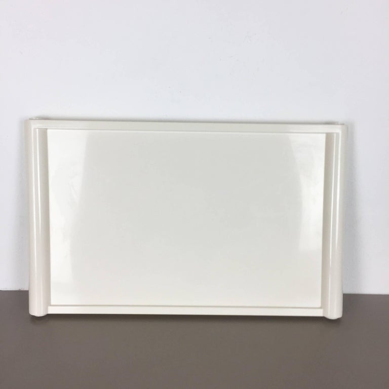 Luigi Massoni Minimalist Plastic White Bed Tray Element by Guzzini, Italy, 1980s In Good Condition For Sale In Kirchlengern, DE