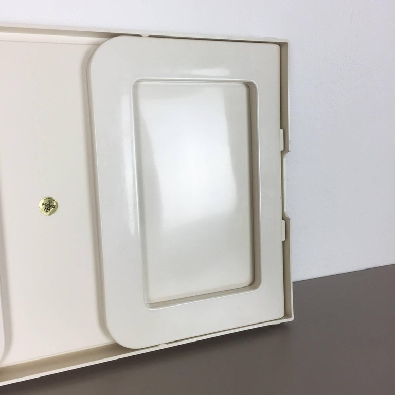 Luigi Massoni Minimalist Plastic White Bed Tray Element by Guzzini, Italy, 1980s For Sale 3