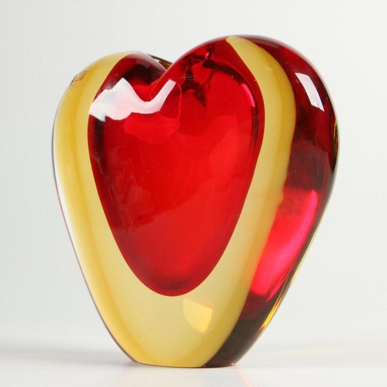 Well made heavy tri-colored sommerso glass heart shaped vase with small opening on top. Made by Luigi Onesto for Murano and marketed by Oggetti. Not many made and fewer in such good condition as this one. Signed on the bottom.