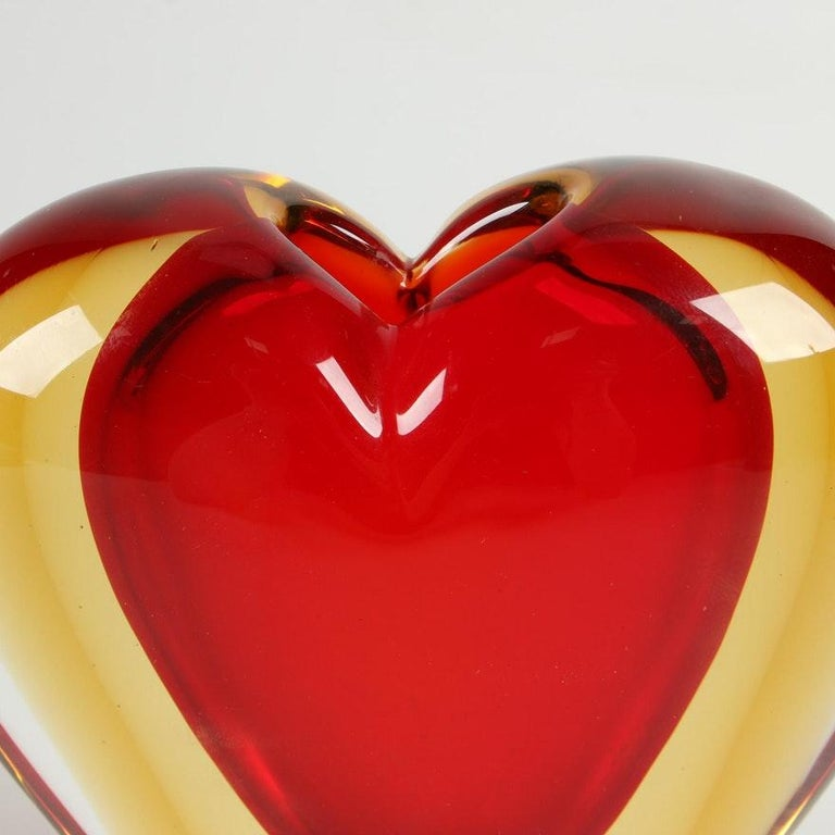 Luigi Onesto for Murano Heart Shaped Sommerso Glass Vase  In Good Condition For Sale In Chicago, IL