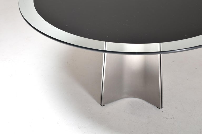 Luigi Saccardo for Armet Pedestal Round Dining Table, 1970, France In Good Condition For Sale In Le Grand-Saconnex, CH