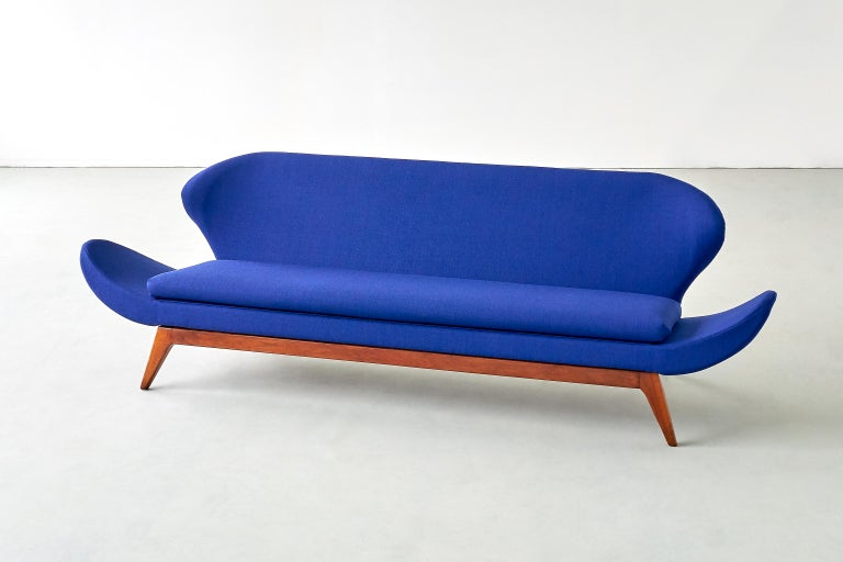 Luigi Tiengo Sofa in Walnut and Blue Raf Simons Fabric for Cimon Montréal, 1963 For Sale 4