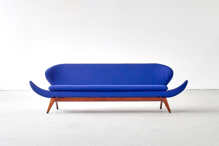 Mid-Century Modern Luigi Tiengo Sofa in Walnut and Blue Raf Simons Fabric for Cimon Montréal, 1963 For Sale