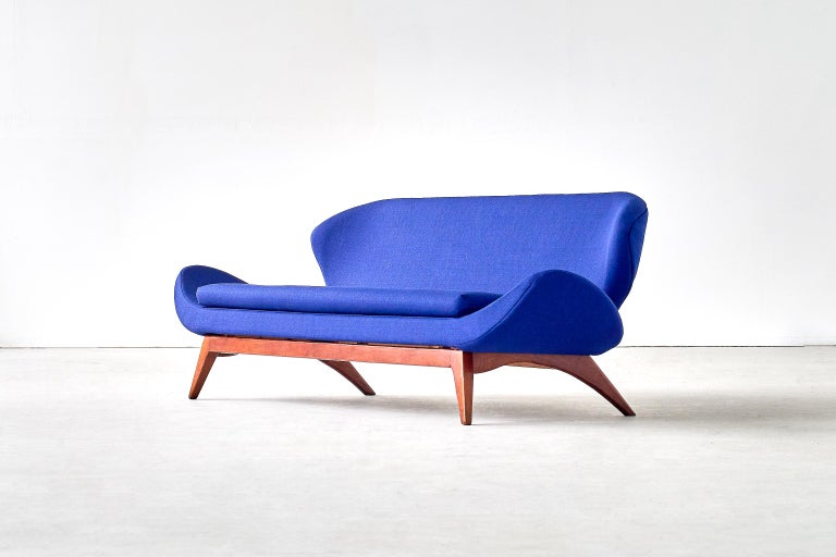 Mid-20th Century Luigi Tiengo Sofa in Walnut and Blue Raf Simons Fabric for Cimon Montréal, 1963 For Sale