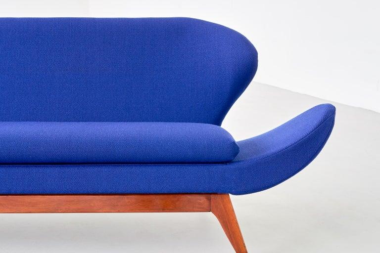 Luigi Tiengo Sofa in Walnut and Blue Raf Simons Fabric for Cimon Montréal, 1963 For Sale 2