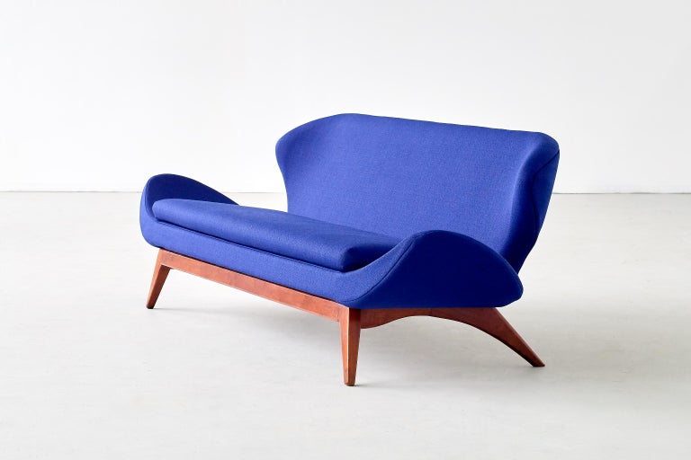 Luigi Tiengo Sofa in Walnut and Blue Raf Simons Fabric for Cimon Montréal, 1963 For Sale 3