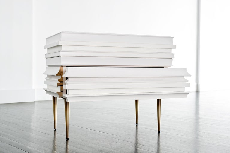 Contemporary Lacquer White Wood Moldings on a Pair of Nightstands by Luis Pons In New Condition For Sale In Miami, FL