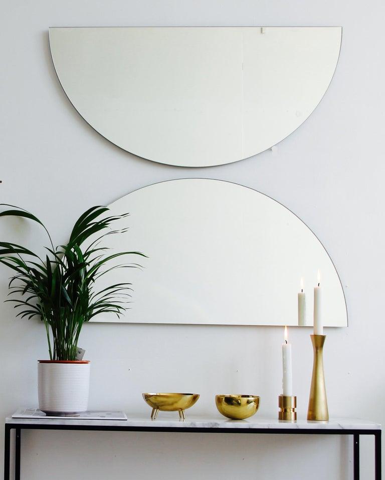 Silver Tinted Luna Orbis Round Mirror 2 Half Moon Pcs