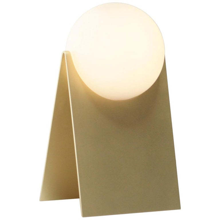 LUNA Table Lamp in Brass and Hand Blown Glass by Estudio Persona For Sale