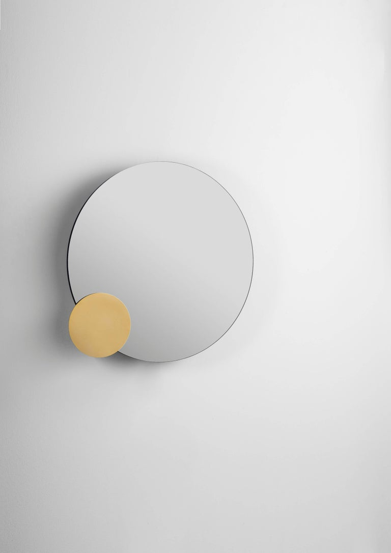 Blue and grey mirrors, and a gold-plated aluminium disc. MDF box lacquered in black. Precise movement system with steel bearings, rack and pinions. Limited Edition of 8 + 2 Artist proofs + 2 Prototypes.