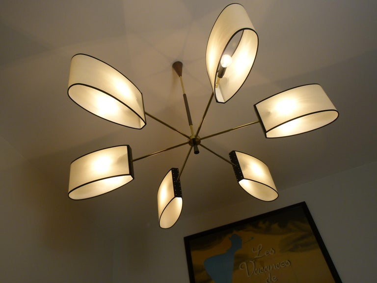 1950s Circular Chandelier With Six Arms Of Light by Maison Lunel In Excellent Condition For Sale In Saint-Ouen, FR