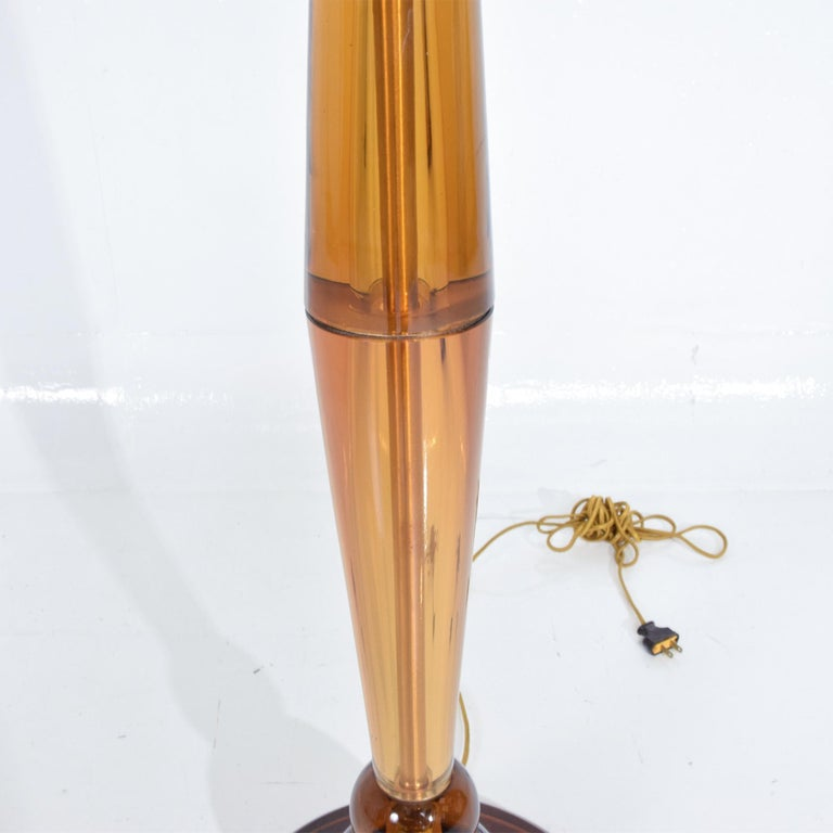 Lustrous Amber Murano Glass Floor Lamp Signed Tomaso Buzzi for Venini Italy 1930 In Good Condition For Sale In National City, CA