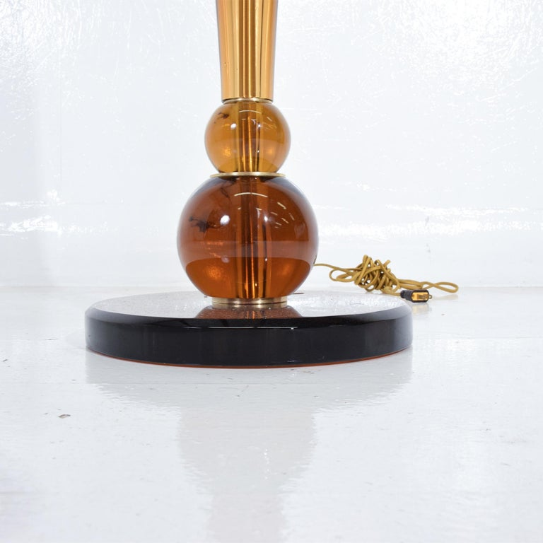 Brass Lustrous Amber Murano Glass Floor Lamp Signed Tomaso Buzzi for Venini Italy 1930 For Sale