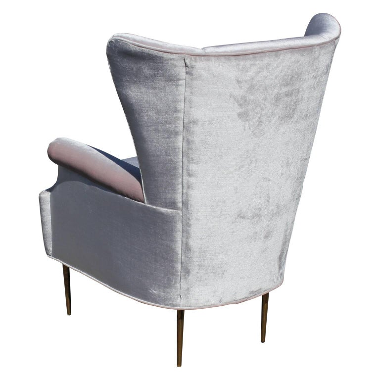Mid-20th Century Luxe Pair of Brass Legged Modern Italian Wingback Chairs in Light Pink Velvet For Sale