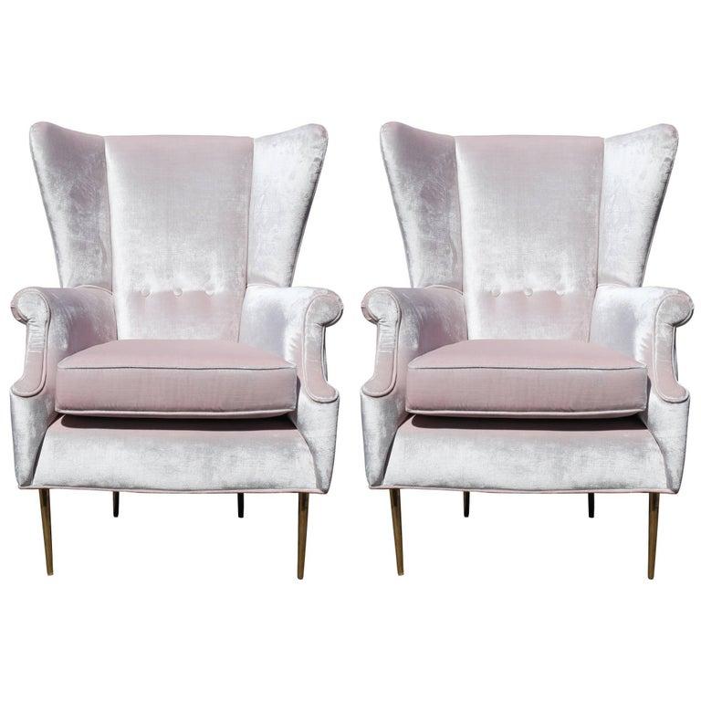 Luxe Pair of Brass Legged Modern Italian Wingback Chairs in Light Pink Velvet For Sale