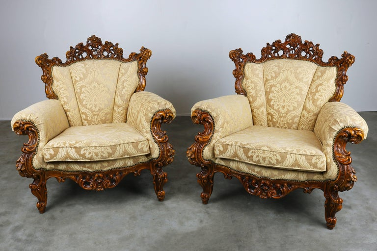 Luxurious Antique Italian Lounge Chairs in Rococo / Baroque Style Brown  Beige For Sale 2 - Luxurious Antique Italian Lounge Chairs In Rococo / Baroque Style