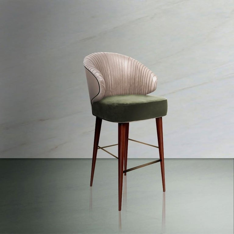 Luxury Contemporary Modern Colorado Bar Chair Velvet Upholstered, Walnut & Brass In New Condition For Sale In Coimbra, PT