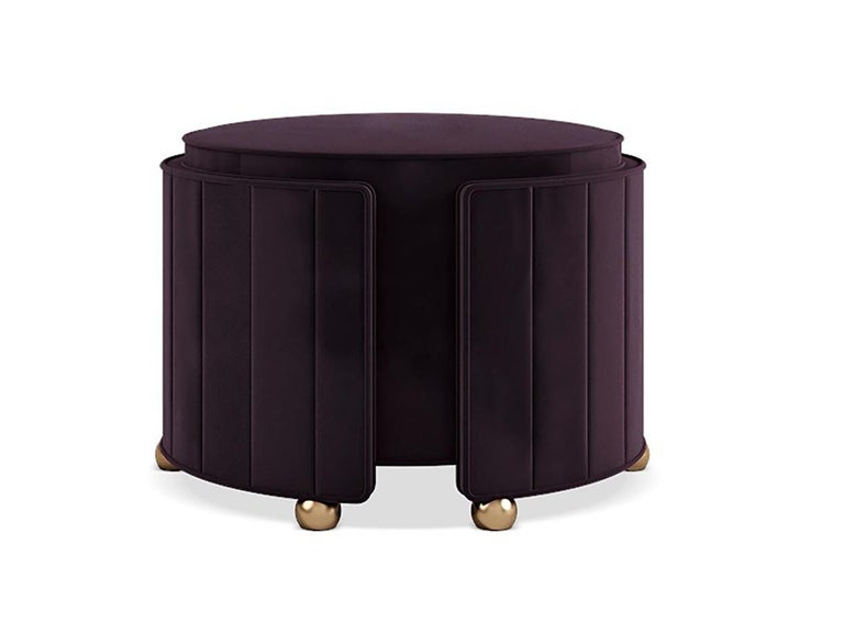 As versatile as glamorous featuring elegant curved lines, the Hollywood contemporary ottoman can be an additional seat or can be used also as a classy footstool.? Upholstered in velvet, supported by brushed brass feet, the timeless Hollywood